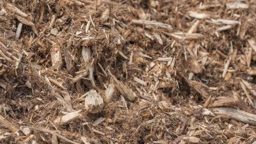 A close up picture of cedar mulch